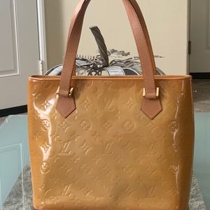💯 Louis Vuitton  Houston Monogram Vernis  Satchel